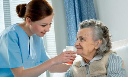 L'importance des soins et activitésen maison de retraite