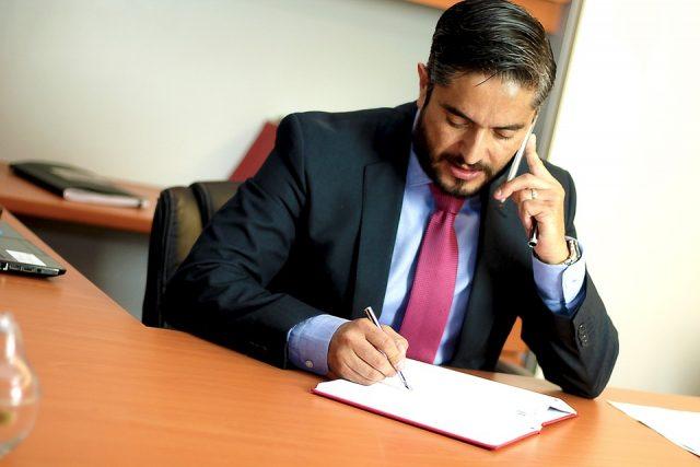 Comment un avocat peut vous aider dans votre demande d'indemnisation pour accident de voiture?